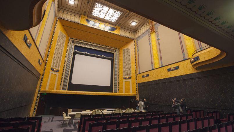 le louxor palais du cinema paris france atlas obscura. Black Bedroom Furniture Sets. Home Design Ideas