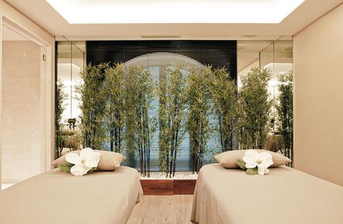 Le spa Carita au Grand Hôtel du Palais Royal